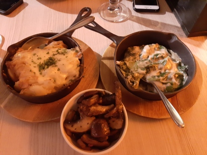 Patatas gratinadas, espinacas con crema de trufa y champiñones. Chusa Cuendias blog. Abril 2019