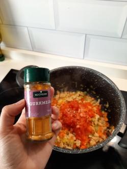 Un toque de color para los tomates gracias a la cúrcuma. Chusa Cuendias