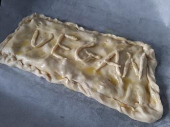 Añadir aceite a la empanada antes de meterla en el horno. Chusa Cuendias